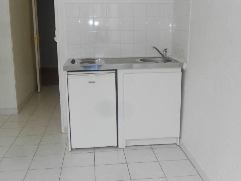 Appartement à louer 2 34m2 à Arras vignette-2