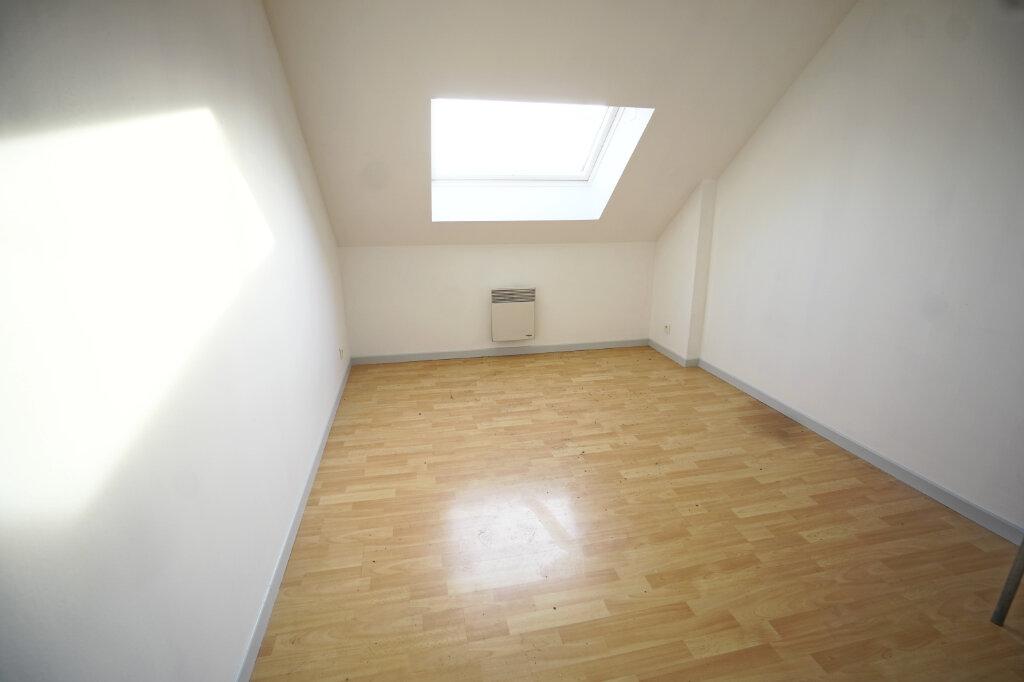 Appartement à louer 3 65m2 à Beaurains vignette-4