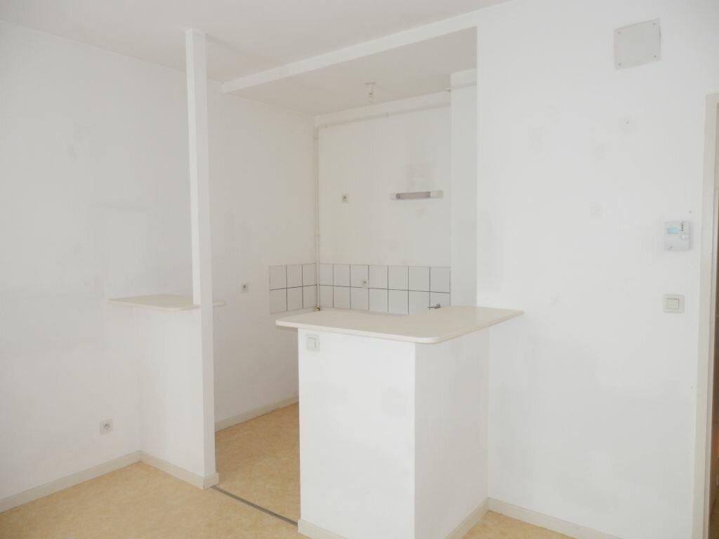 Appartement à louer 3 53m2 à Metz vignette-2