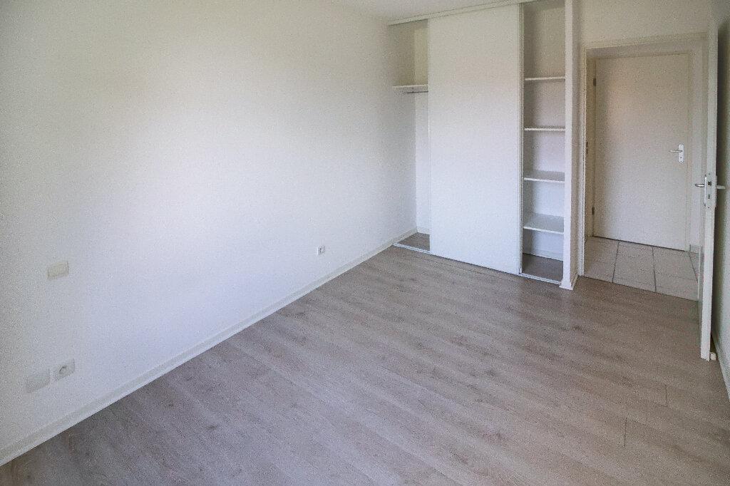 Appartement à louer 3 54.09m2 à Toulouse vignette-3