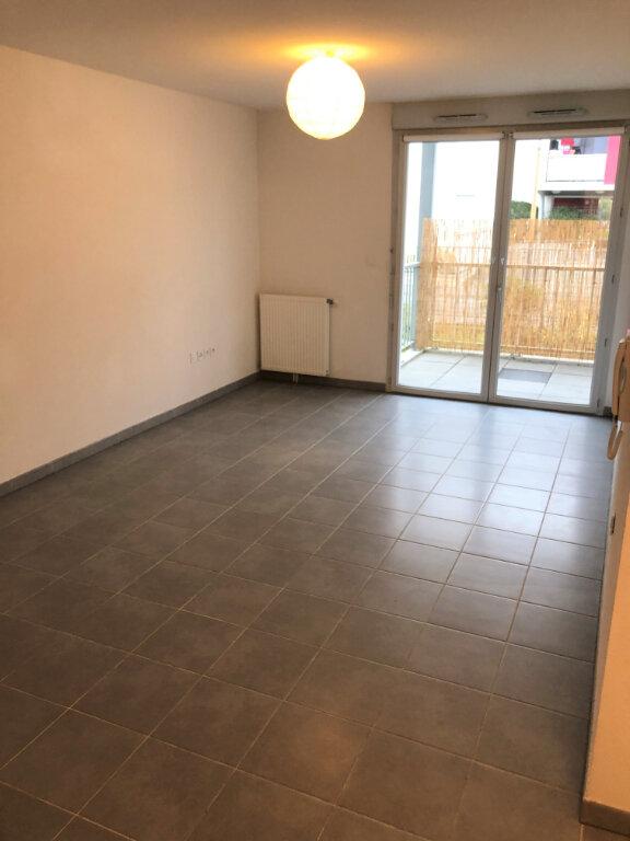 Appartement à louer 3 57.76m2 à Toulouse vignette-2