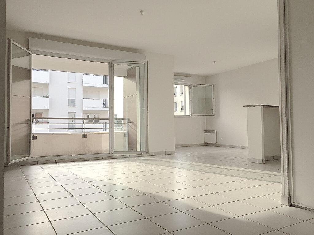 Appartement à louer 3 70.22m2 à Toulouse vignette-1