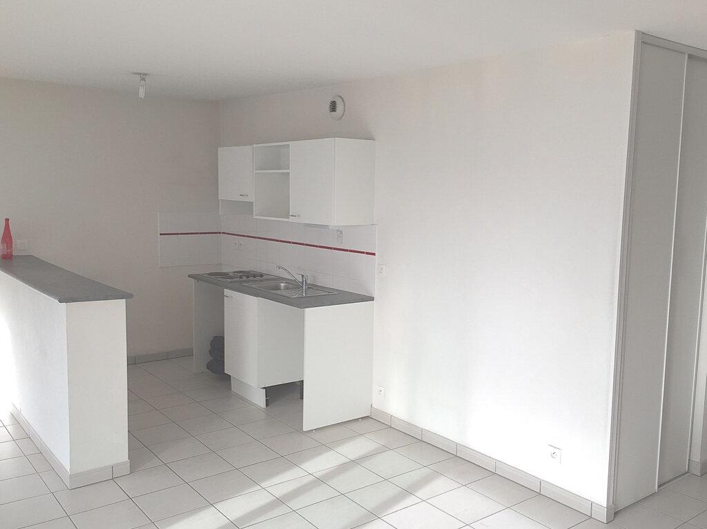 Appartement à louer 3 70.22m2 à Toulouse vignette-2