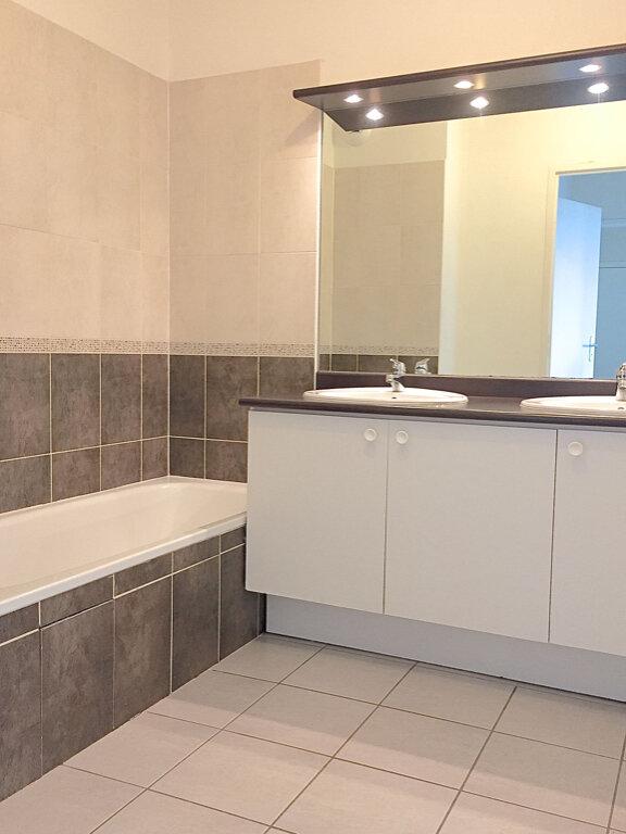 Appartement à louer 3 70.22m2 à Toulouse vignette-3