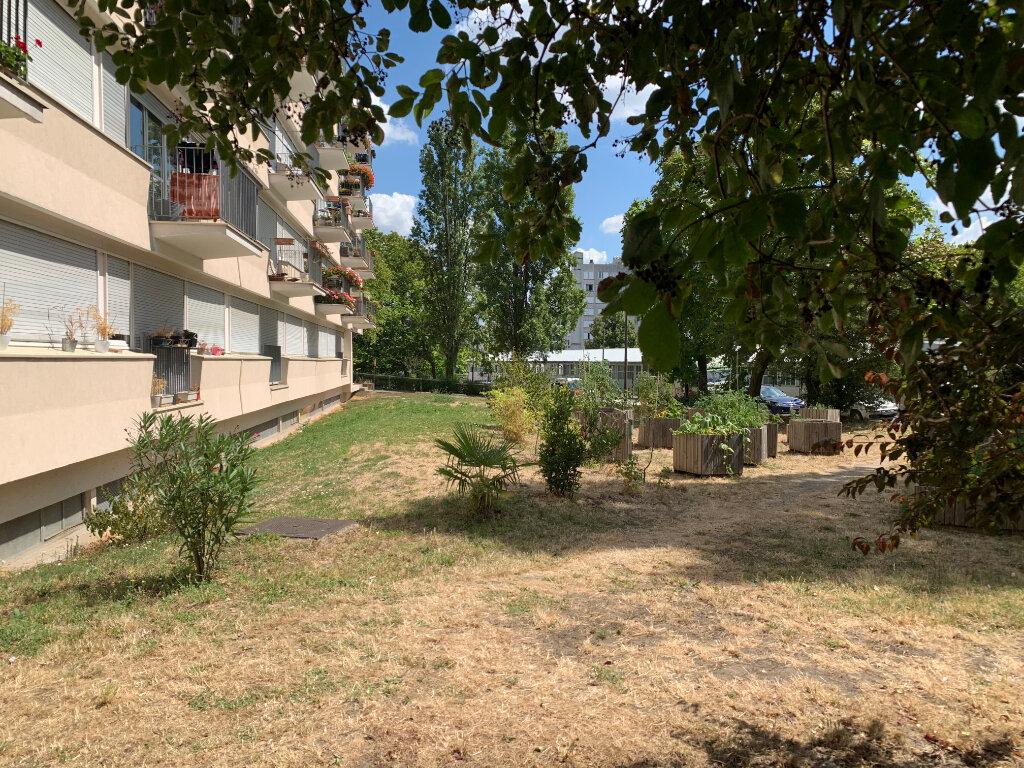 Appartement à vendre 3 70.57m2 à Montreuil vignette-2