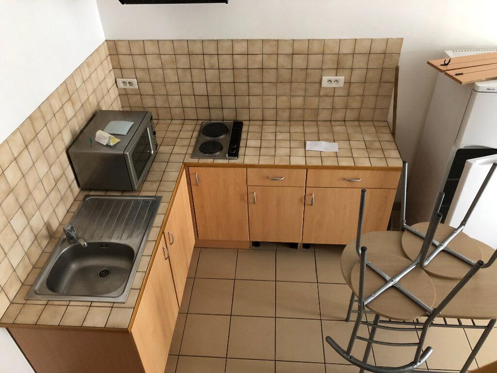 Maison à louer 2 38m2 à Saint-Laurent-en-Gâtines vignette-2