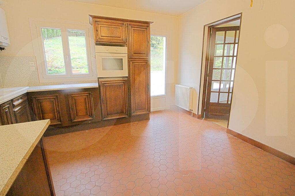 Maison à vendre 6 172m2 à Pont-Sainte-Maxence vignette-3
