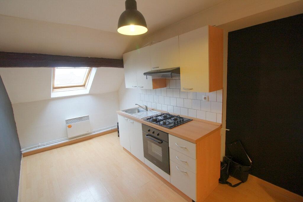 Appartement à louer 2 28m2 à Pont-Sainte-Maxence vignette-2