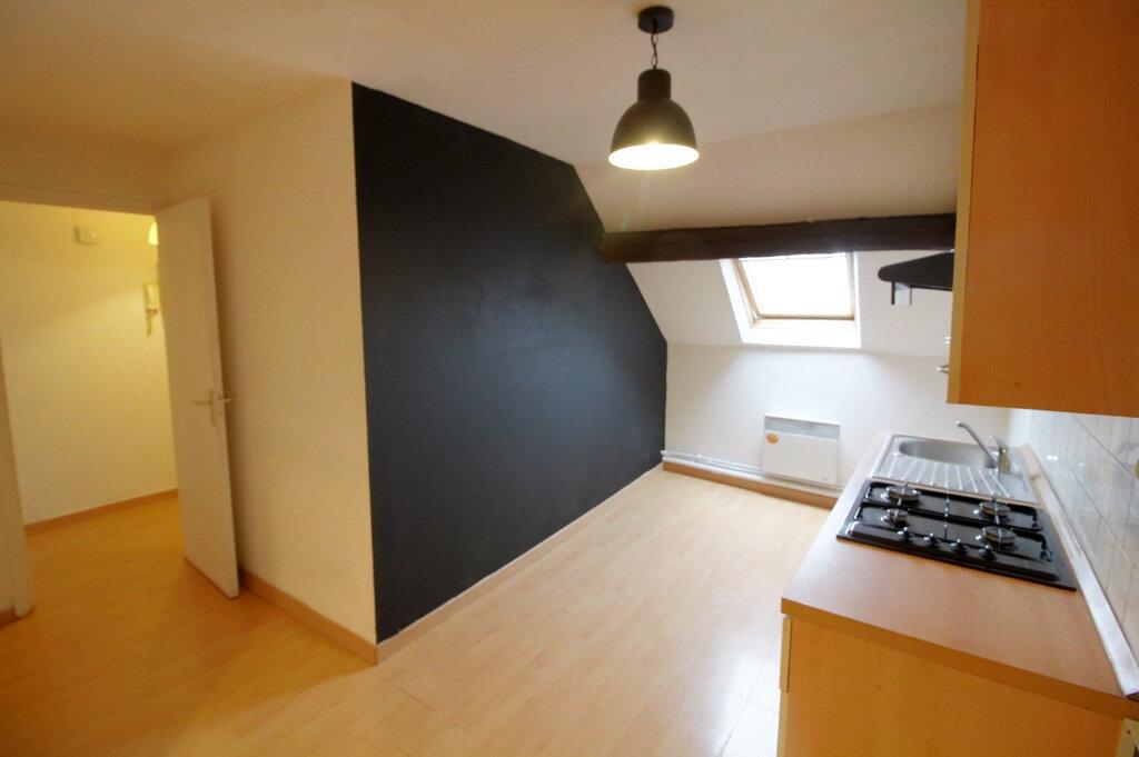 Appartement à louer 2 28m2 à Pont-Sainte-Maxence vignette-3
