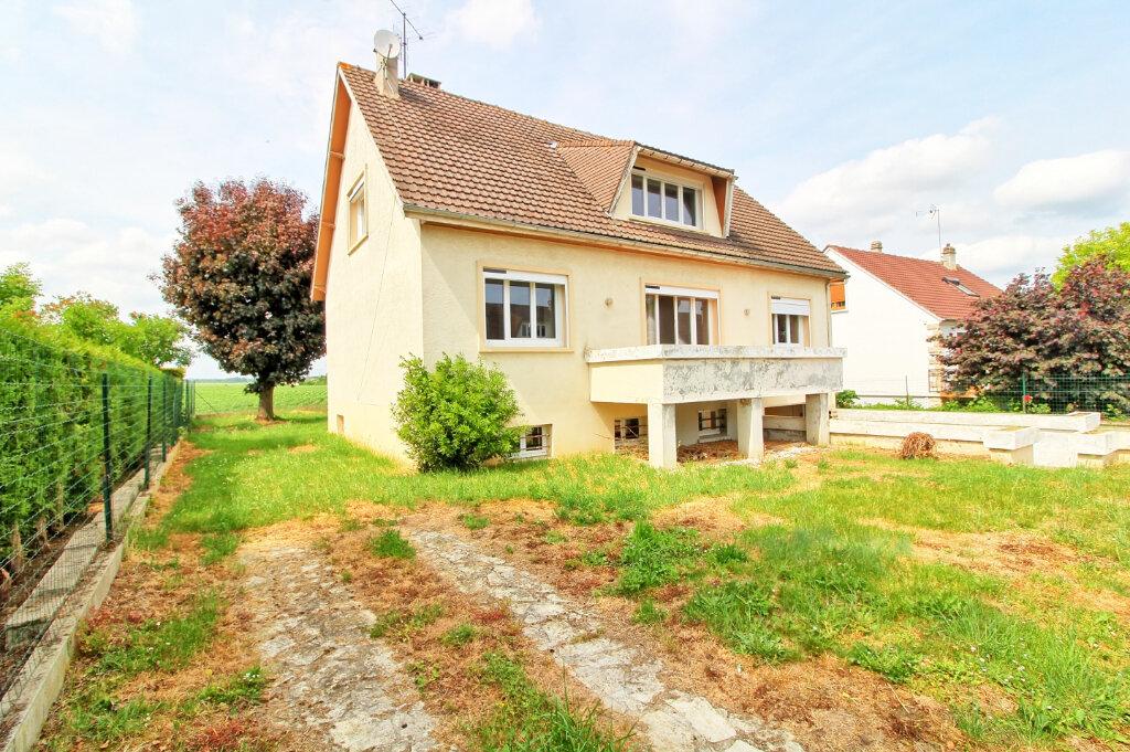 Maison à louer 7 149m2 à Longueil-Sainte-Marie vignette-1