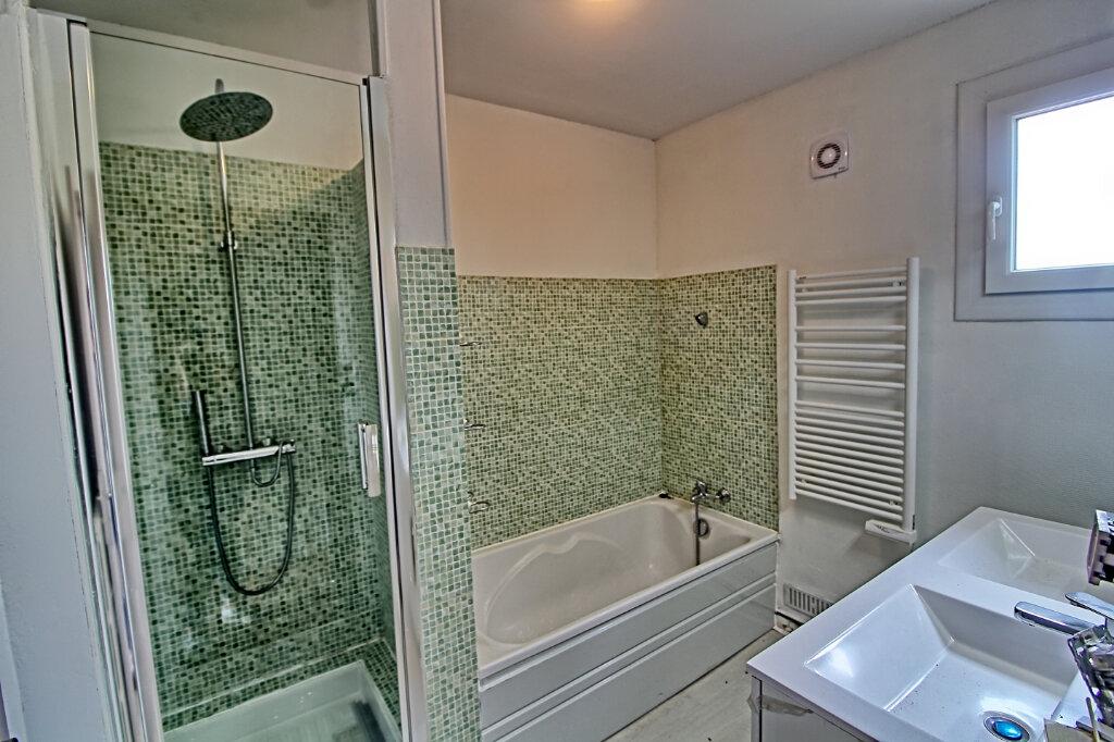 Maison à louer 7 149m2 à Longueil-Sainte-Marie vignette-5