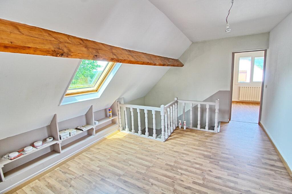 Maison à louer 7 149m2 à Longueil-Sainte-Marie vignette-6