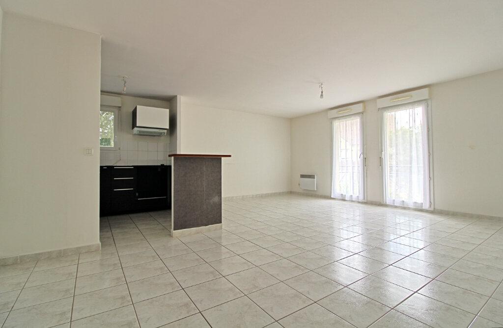 Appartement à vendre 3 65m2 à Verneuil-en-Halatte vignette-2