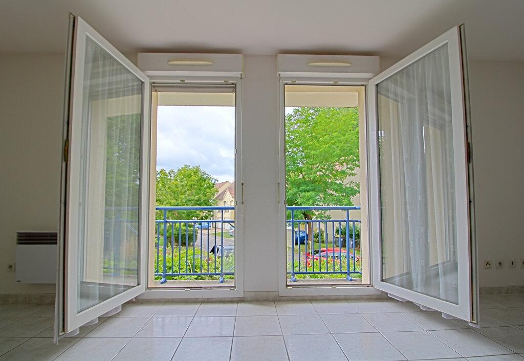 Appartement à vendre 3 65m2 à Verneuil-en-Halatte vignette-3