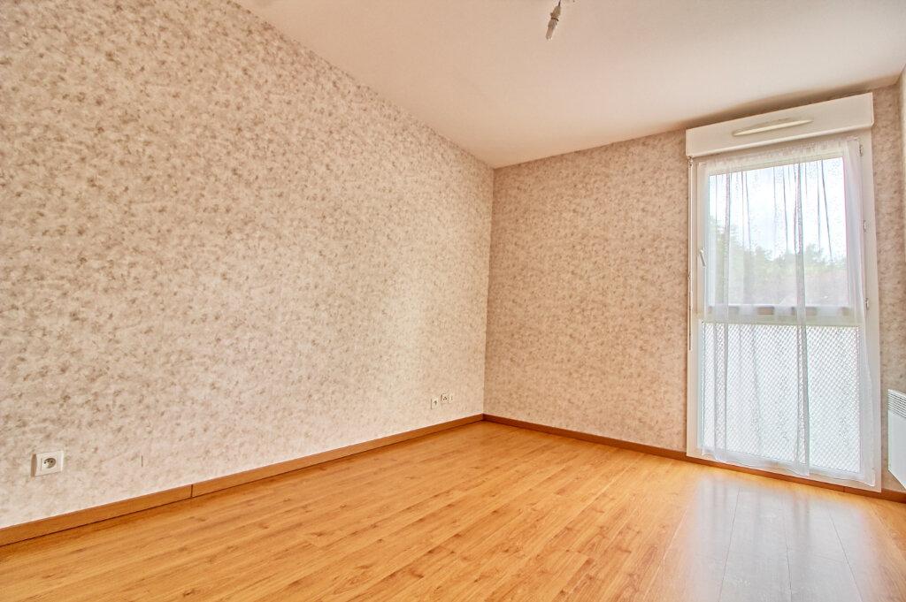 Appartement à vendre 3 65m2 à Verneuil-en-Halatte vignette-5