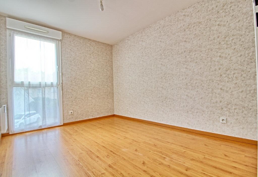 Appartement à vendre 3 65m2 à Verneuil-en-Halatte vignette-6