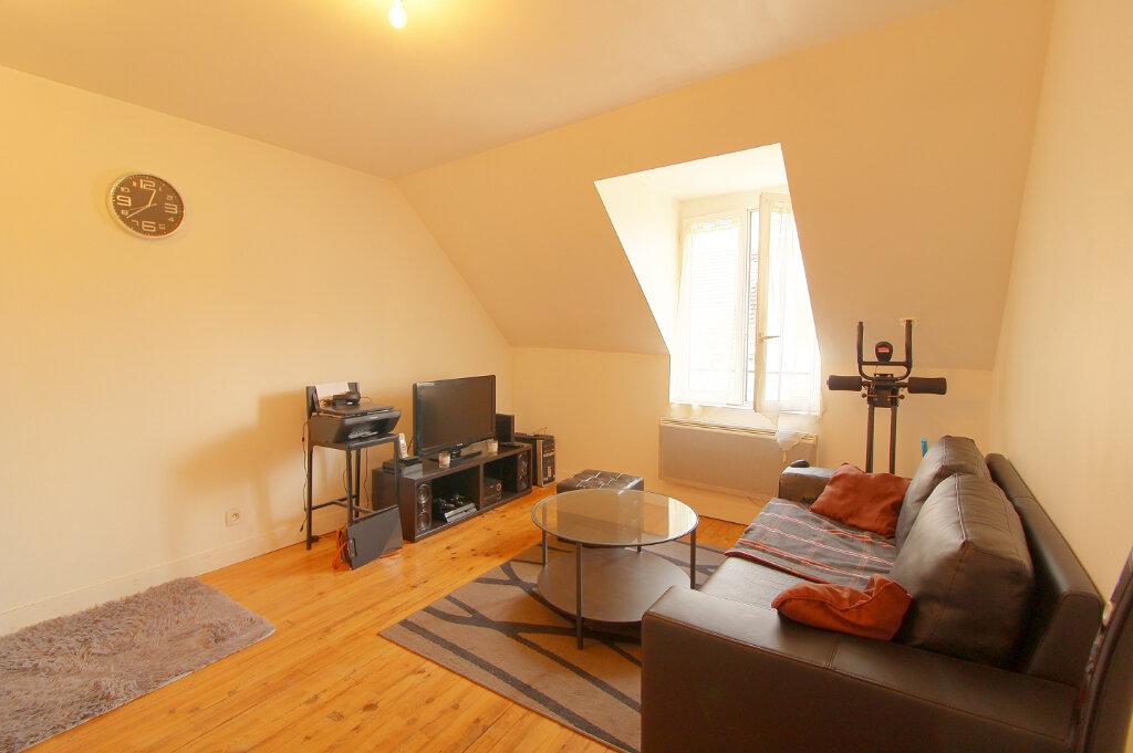 Appartement à louer 2 29.52m2 à Pont-Sainte-Maxence vignette-1
