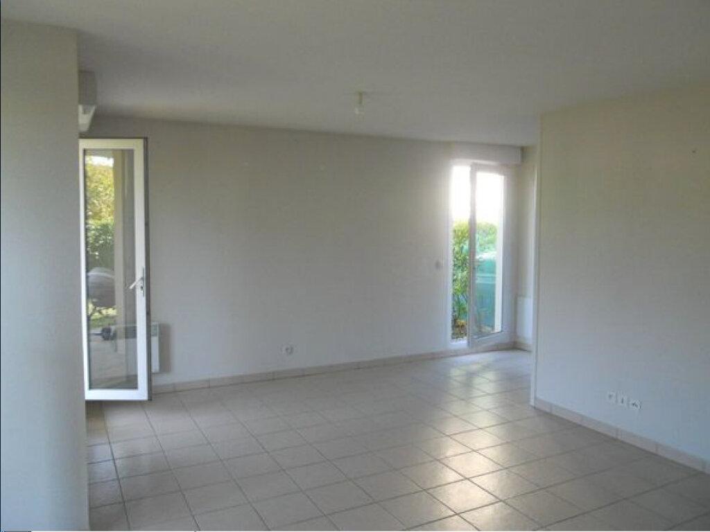 Appartement à louer 2 56m2 à Voreppe vignette-1
