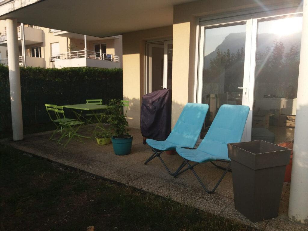 Appartement à louer 2 56m2 à Voreppe vignette-4