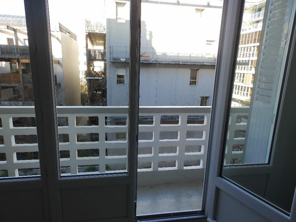 Appartement à louer 4 92m2 à Grenoble vignette-4