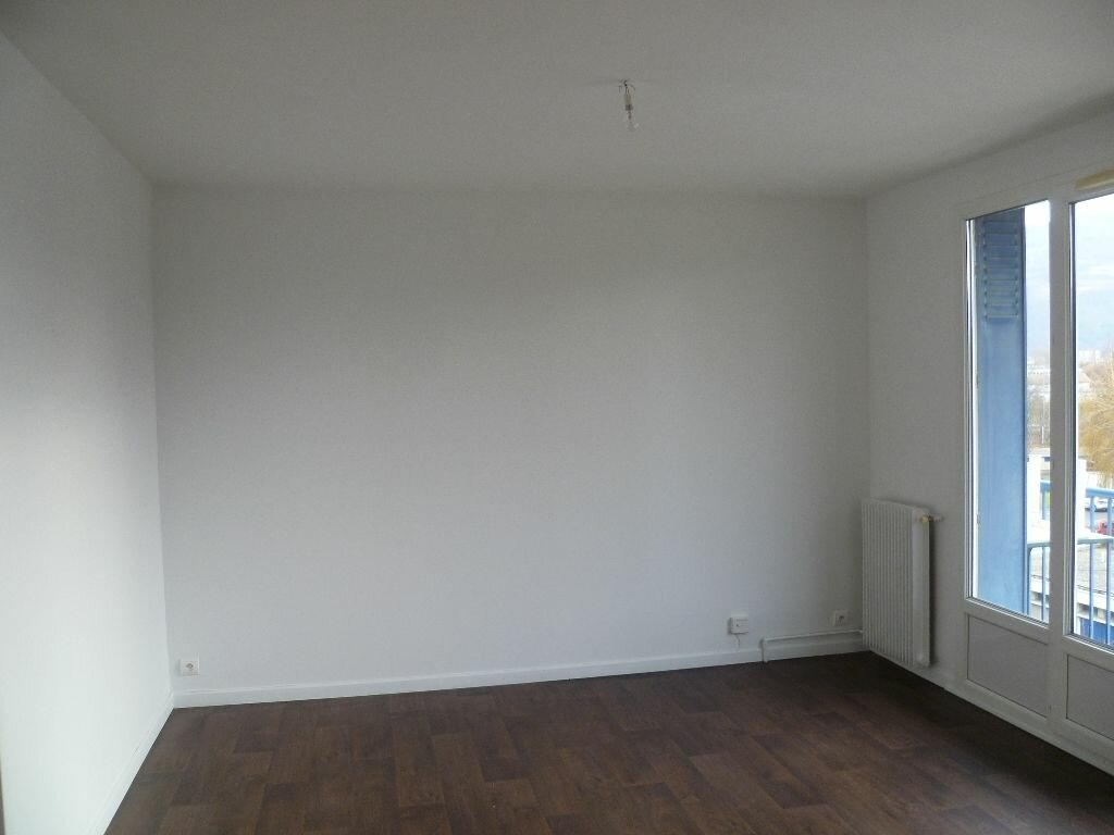 Appartement à louer 2 43.31m2 à Grenoble vignette-3