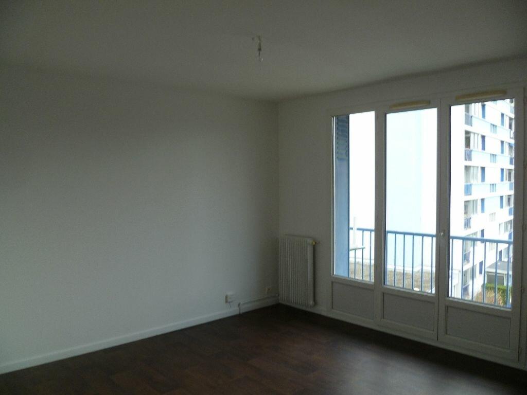 Appartement à louer 2 43.31m2 à Grenoble vignette-4