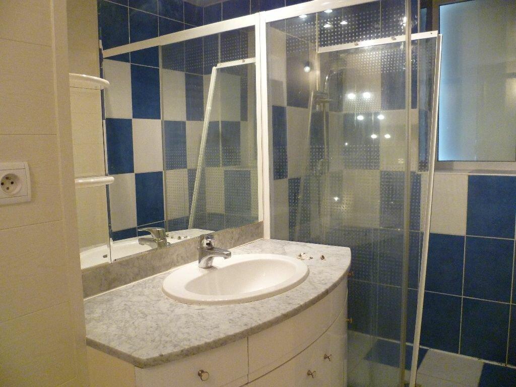 Appartement à louer 2 43.31m2 à Grenoble vignette-6