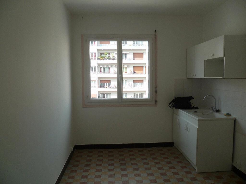 Appartement à louer 2 55m2 à Grenoble vignette-4