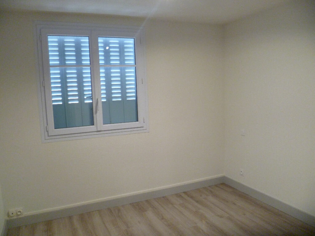 Appartement à louer 3 53m2 à Saint-Égrève vignette-4