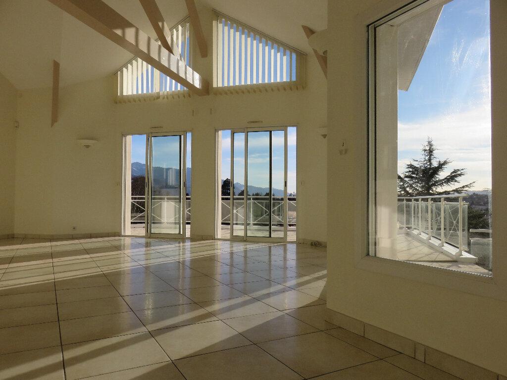 Maison à vendre 7 170m2 à Voiron vignette-2