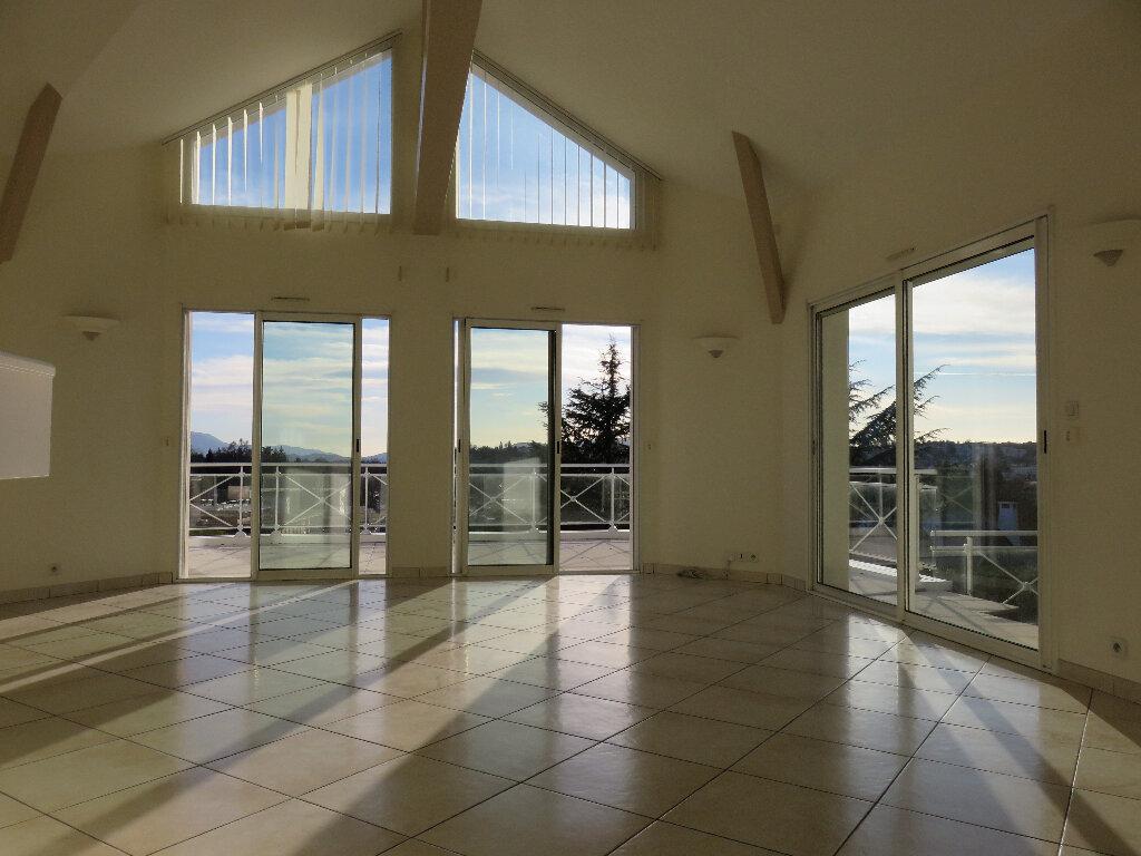 Maison à vendre 7 170m2 à Voiron vignette-3