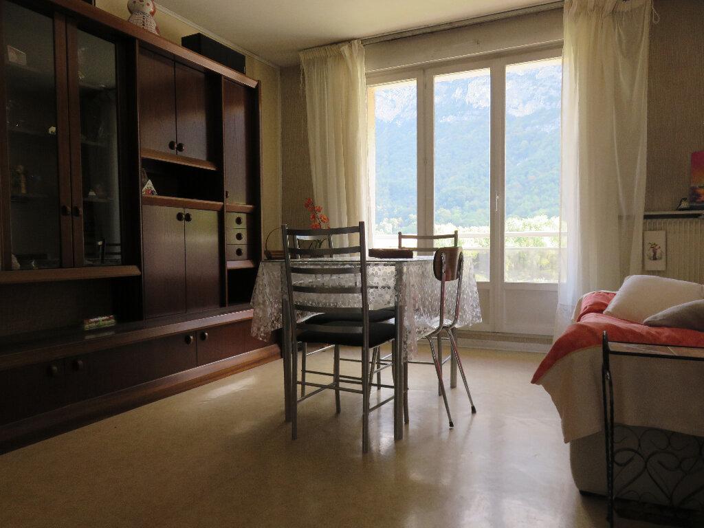 Appartement à vendre 3 53.22m2 à Saint-Égrève vignette-2