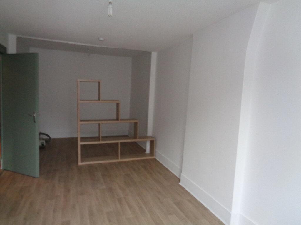 Appartement à louer 2 40.3m2 à Voiron vignette-2
