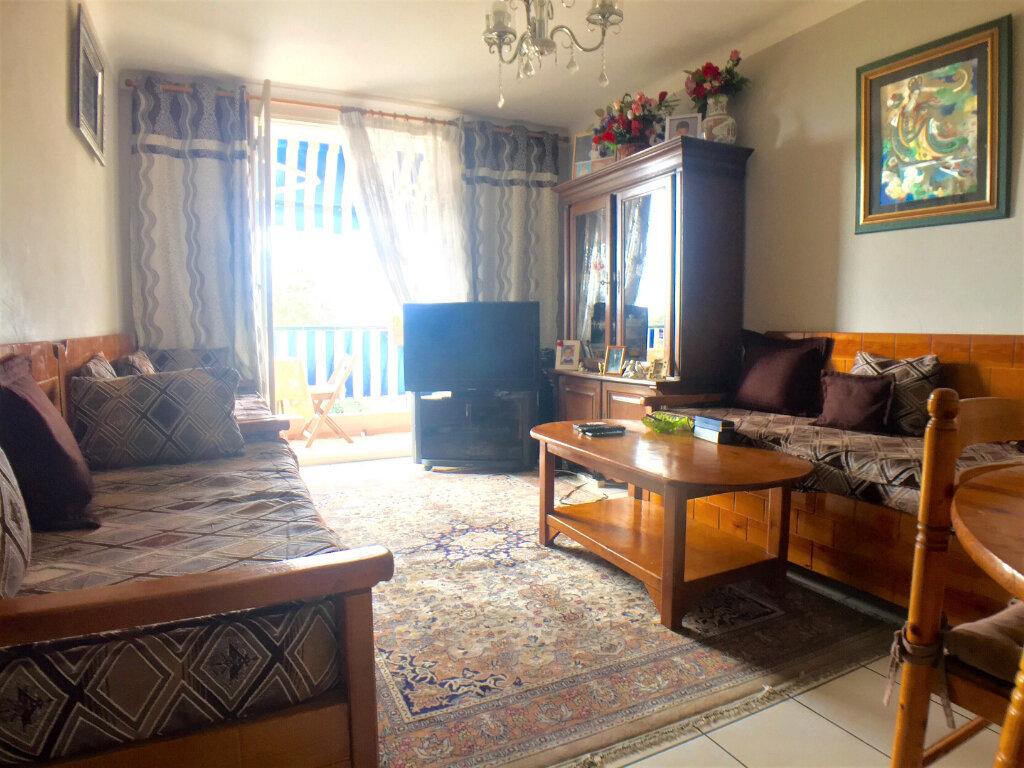 Appartement à vendre 2 45m2 à Cagnes-sur-Mer vignette-1