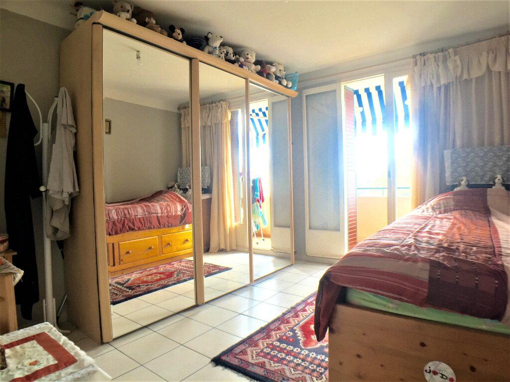 Appartement à vendre 2 45m2 à Cagnes-sur-Mer vignette-4