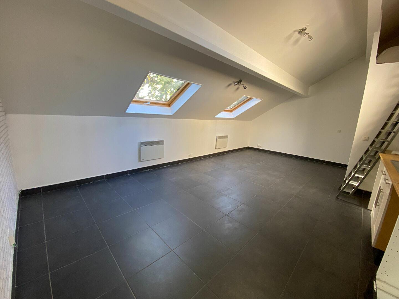 Appartement à louer 2 38m2 à La Varenne - Saint-Maur-des-Fossés vignette-3