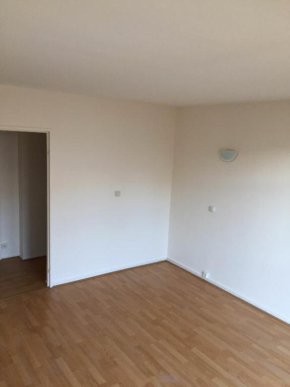 Appartement à louer 2 40m2 à Romainville vignette-1