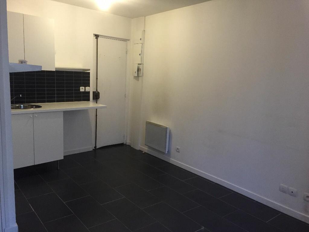 Appartement à louer 1 20m2 à Romainville vignette-3