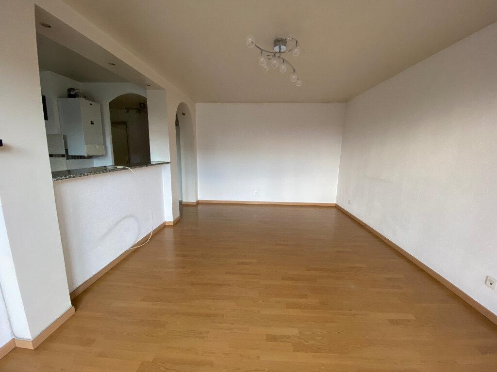 Appartement à louer 3 63m2 à Bondy vignette-4