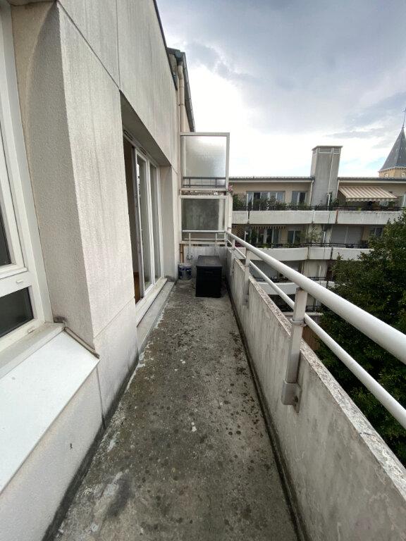 Appartement à louer 3 63m2 à Bondy vignette-5