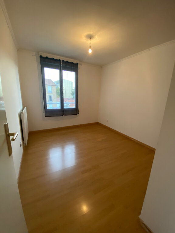 Appartement à louer 3 63m2 à Bondy vignette-6