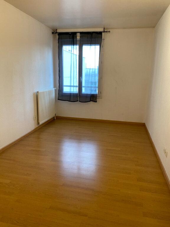 Appartement à louer 3 63m2 à Bondy vignette-8
