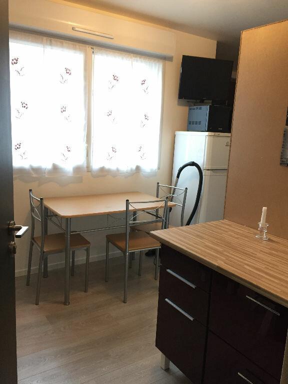 Appartement à louer 1 20m2 à Romainville vignette-6