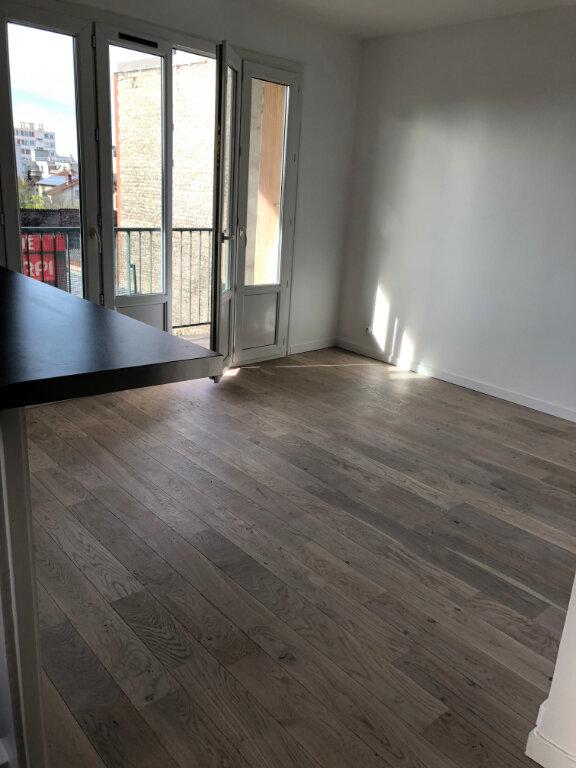 Appartement à louer 3 55m2 à Noisy-le-Sec vignette-3