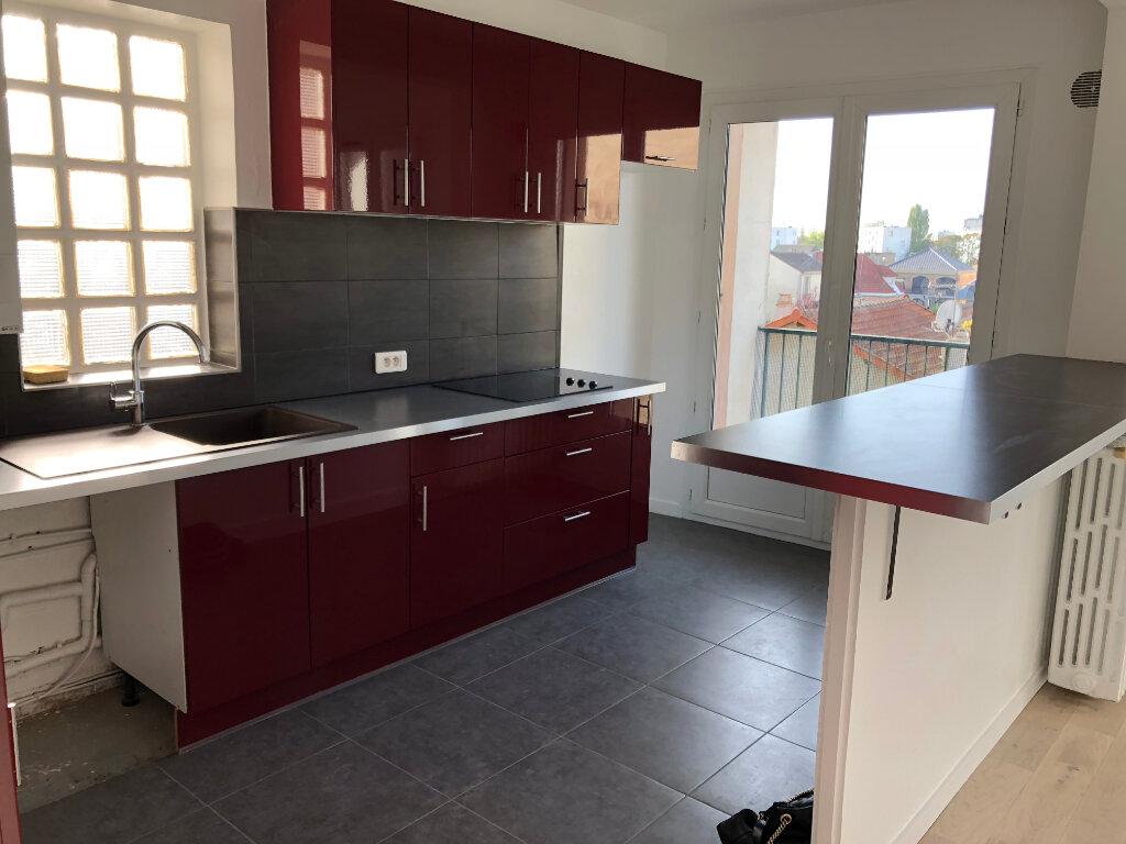 Appartement à louer 3 55m2 à Noisy-le-Sec vignette-4