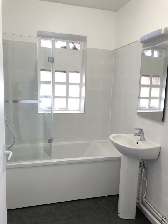 Appartement à louer 3 55m2 à Noisy-le-Sec vignette-6