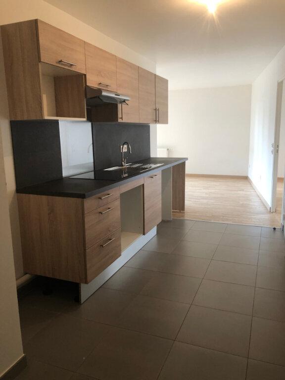 Appartement à louer 2 47m2 à Romainville vignette-1