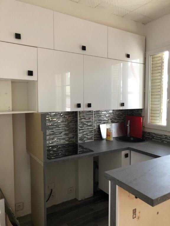 Appartement à louer 3 50m2 à Romainville vignette-1