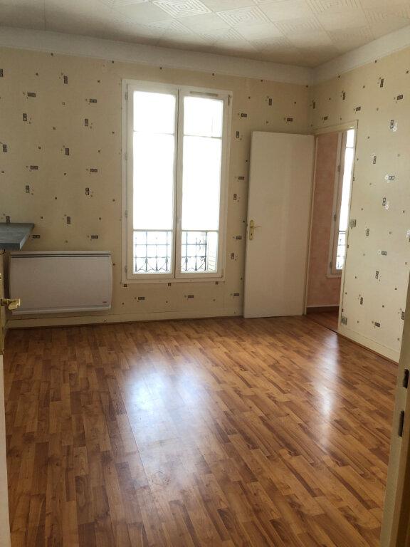 Appartement à louer 3 50m2 à Romainville vignette-4