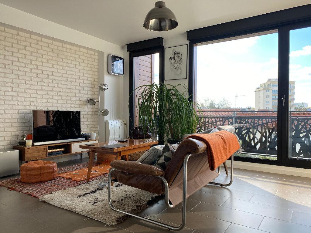Appartement à louer 2 36m2 à Romainville vignette-1